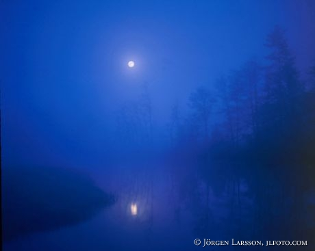 Månsken i sjö Halland