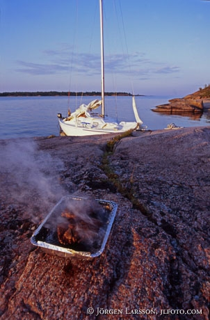 Outdoorlife Sailboat Barbecue