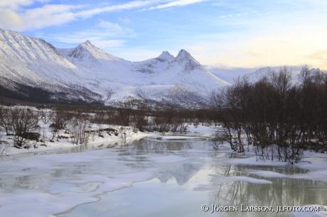 Mountaiins Winter
