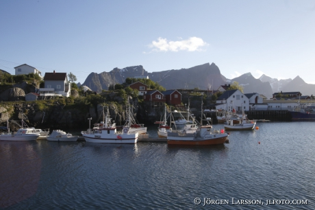 Fiskeläge Fjord Berg