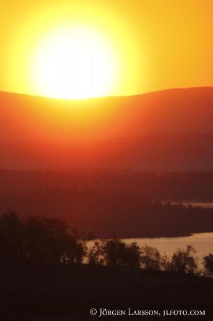 Soluppgång över Ånnsjön Jämtland Sverige