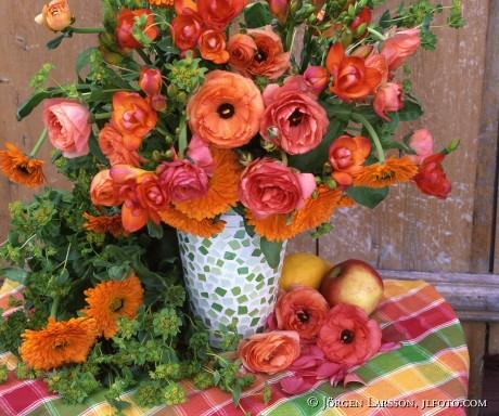 Blandade blommori vas