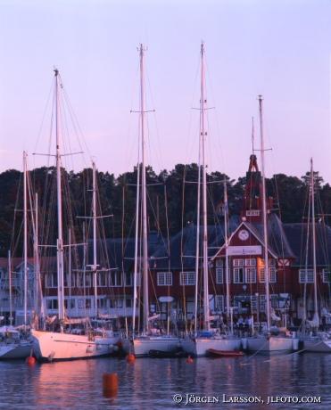 Segelbåtar vid Sandhamn Stockholms skärgård